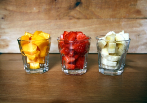 Fruit shots (mango, strawberry and banana).